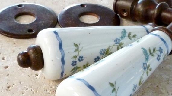 小枝柄のフランス製レバーハンドル