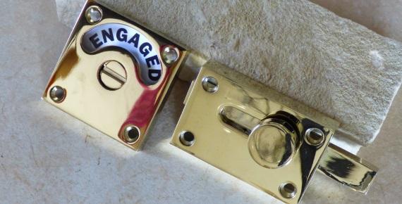 正方形型の表示錠(ゴールド色メッキ加工)
