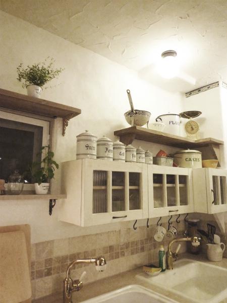 キッチンをヨーロピアンカントリーにリフォーム